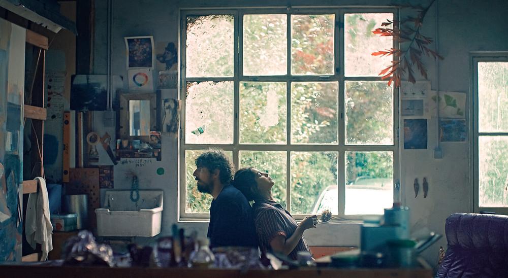 Damien Bonnard en Leïla Bekhti in 'Les intranquilles' (© cineart)