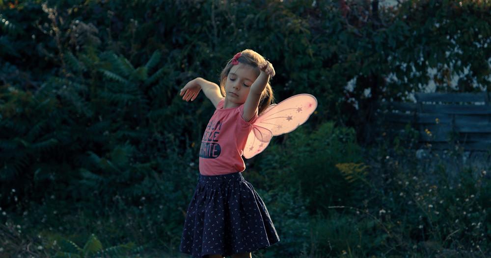 Still uit 'Petite fille'
