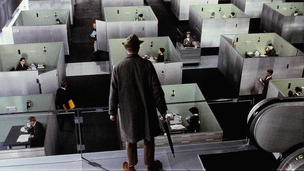 Jacques Tati als Mr. Hulot, het kleine radertje in een doordraaiend netwerk