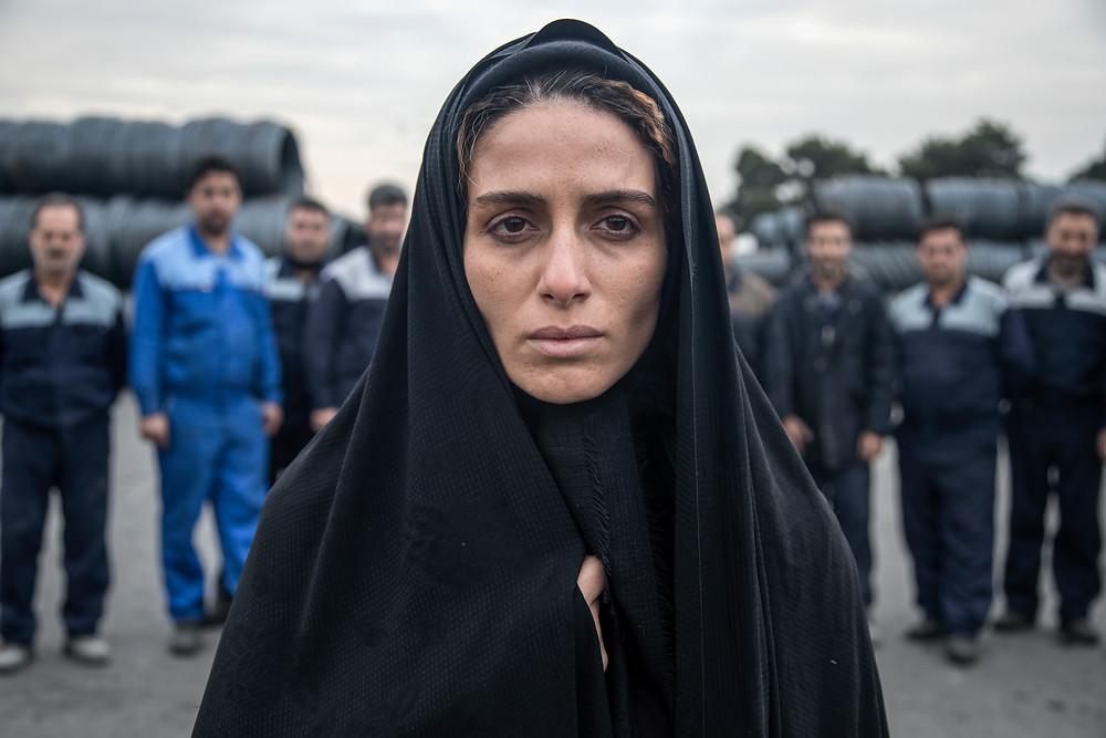 Raha Khodayari als de nagestaarde en vernederde Leila in 'Son-Mother'