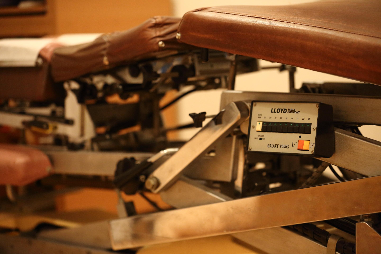 京都カイロプラクティック研究所(あんじゅ庵)治療テーブル