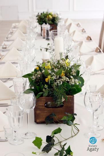 kwiaty na salę weselną w stylu eko