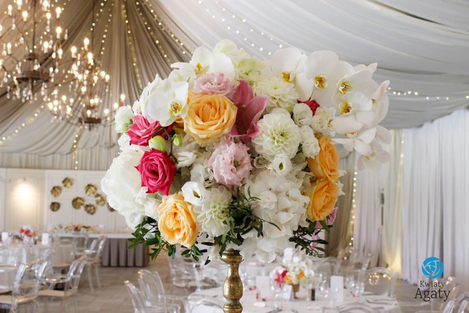 dekoracje kwiatowe w stylu glamour