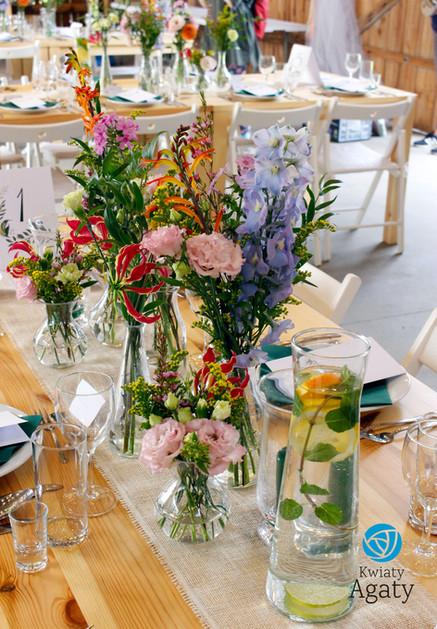 dekoracje na sale weselne wstylu rustykalnym
