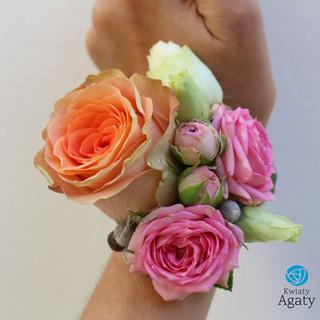 kolorowa bransoletka kwiatowa