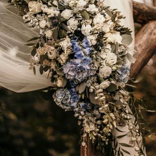 dekoracja pergoli ślubnej