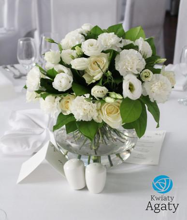 bukiety na stoły gości weselnych