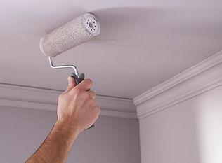 Travaux de peinture au plafond à Cherbourg