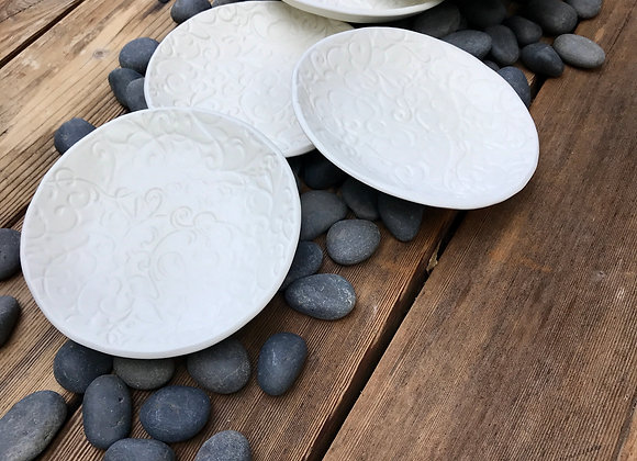 Six Side Saucers: matte filigree