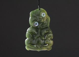 Le jade comme pierre vivante, des Mayas aux Maoris