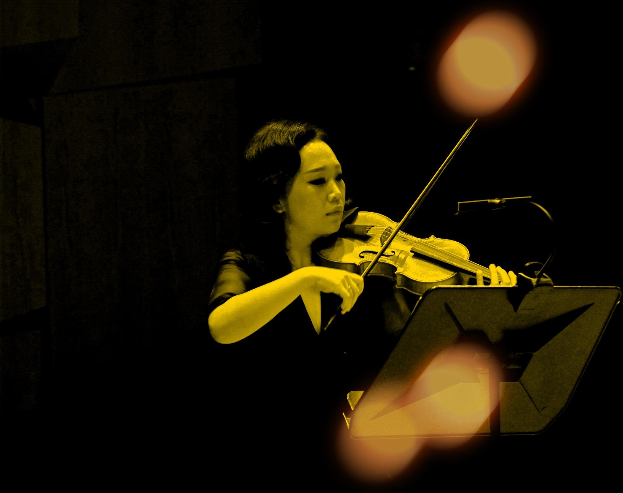 Hyunjung Choi, founder & baroque violin