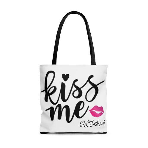 """RL Fashions Valentine's """"Kiss Me"""" Tote Bag"""
