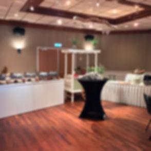De Koggezaal is modern ingericht en is ideaal voor vergaderingen of als restaurant/diner-zaal tijdens bruiloften.