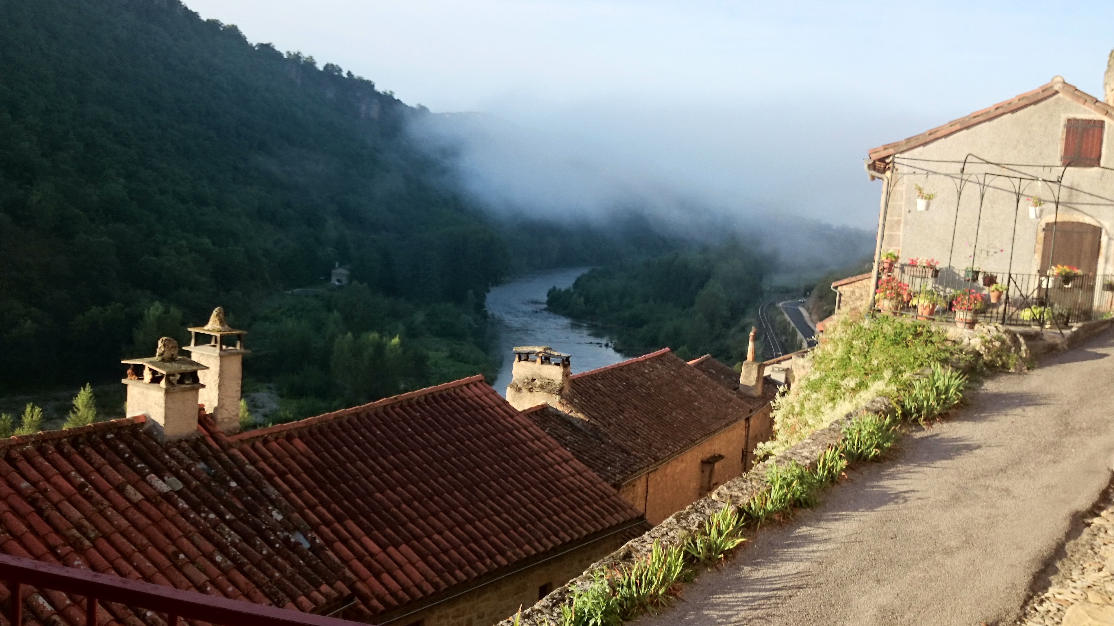 le village et le tarn