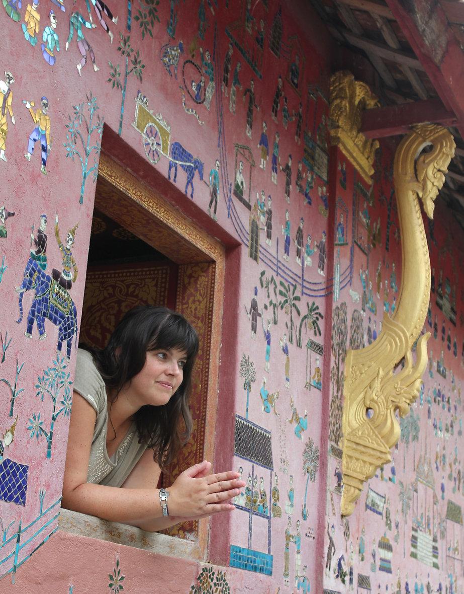 Sylvie organistrice voyage Mon clan lève le camp dans un temple asiatique