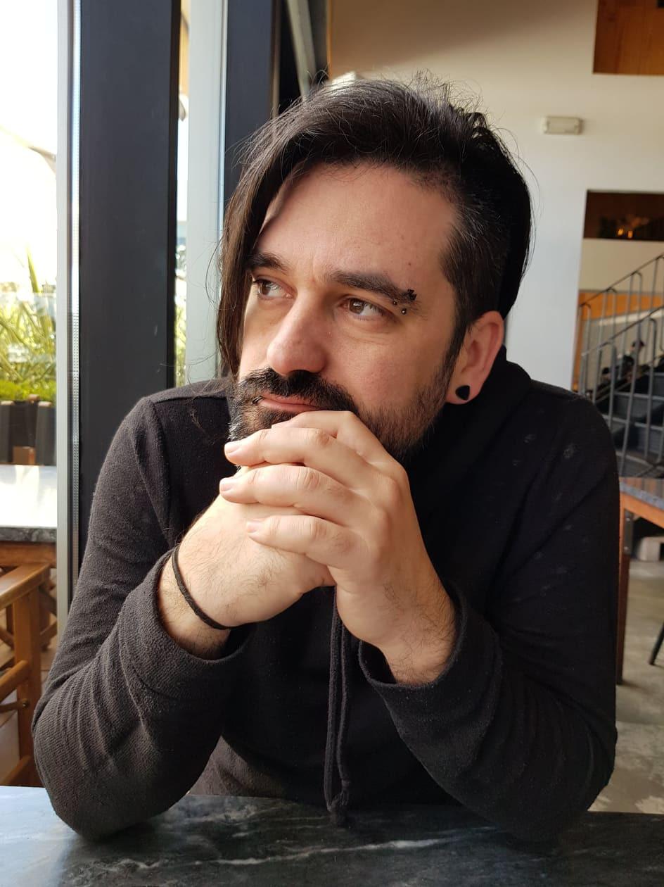 Luís Soares poise filmmaker film festival