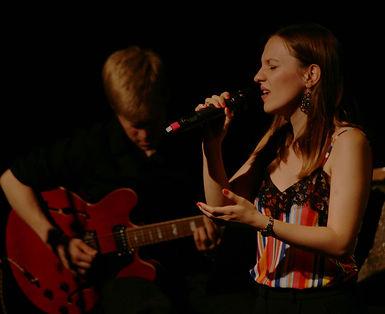 Jana Konietzki: Musikerin für Hochzeiten und andere Events