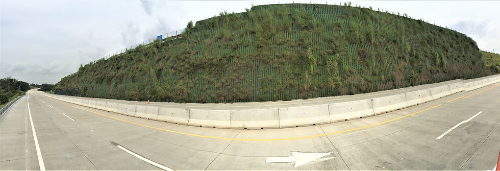 Retaining Wall near Roadway