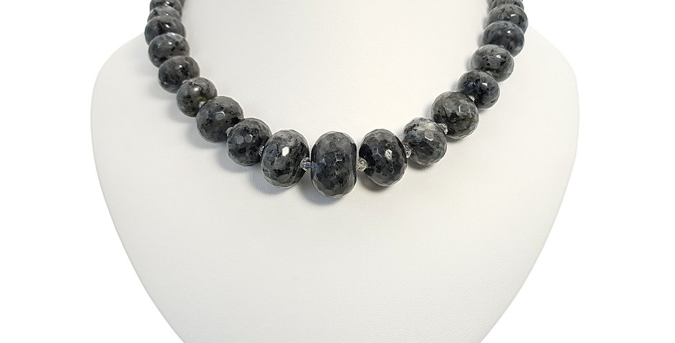 grey quartz and Swarovski crystals necklace on bust