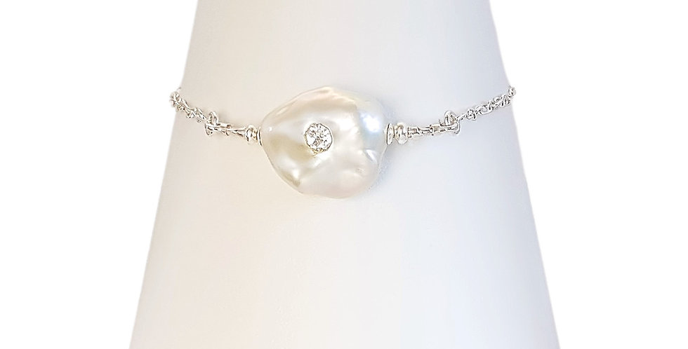 baroque pearl sterling silver bracelet front view