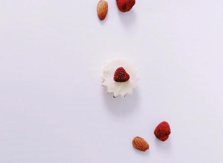 VANILLA WHITE CHOCOLATE RASPBERRY CUPS