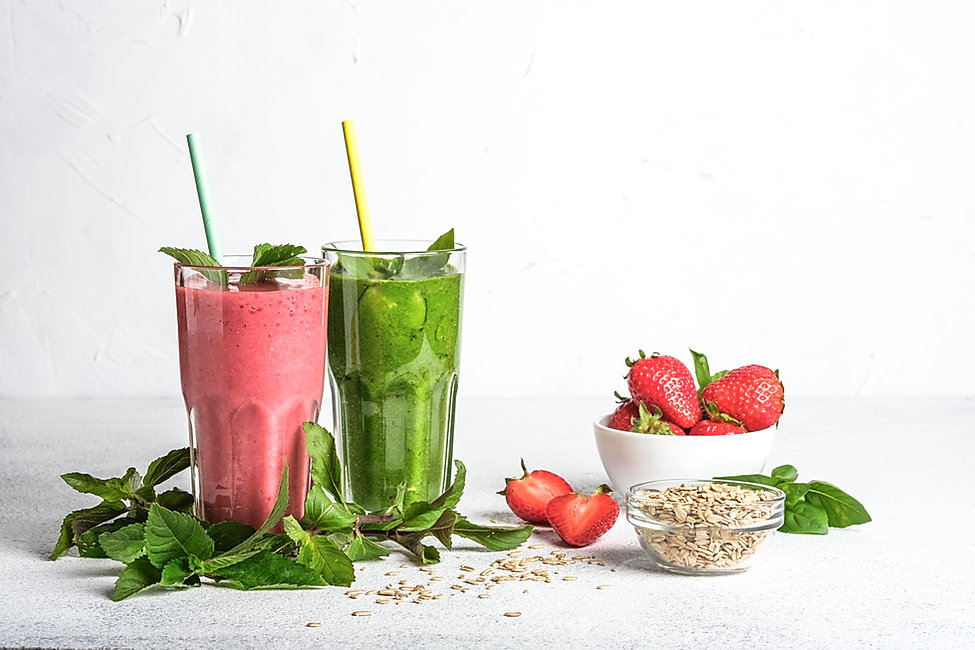 Organic berry and vegetable smoothie wit