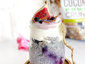 BLUEBERRY FIG CHIA PORRIDGE WITH COCONUT CRUNCH