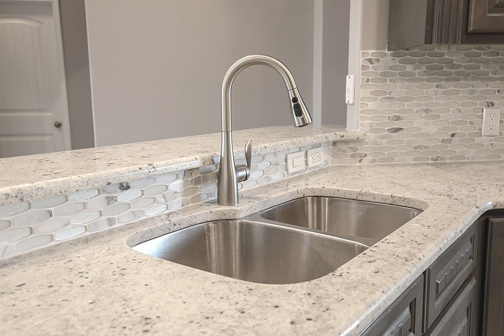 Ricks Homes   New Custom Built Homes For Sale   Corpus Christi TX | Granite  Counter Tops W/ Back Splash.