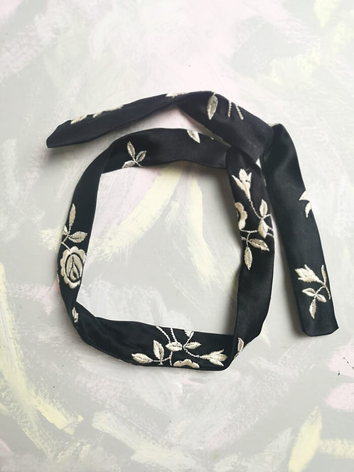 Twisty Wire Headband - Embroidered Roses