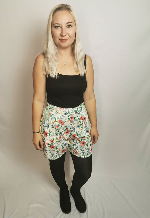 Spring Flowers High Waisted Shorts - Size 10