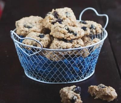 Vegan Recipe - Vegan Oatmeal Raisin Cookies