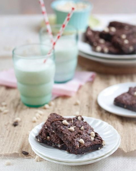 Vegan Recipe - The Ultimate Vegan Fudgy Brownies