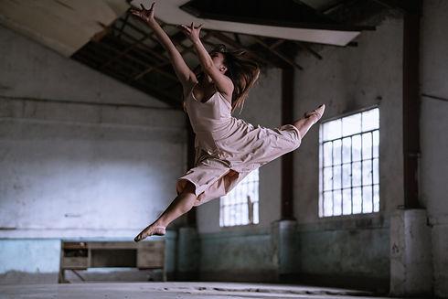 danse contemporaine.jpg