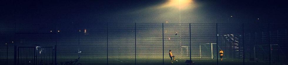 Jalkapalloa Kenraalinpuiston kentällä