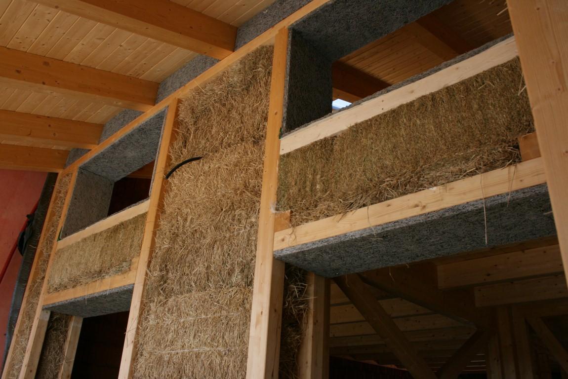Casa legno e paglia