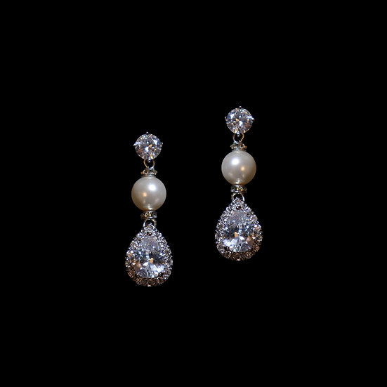 AALIYAH GRANDEUR Zircon & Swarovski Crystal Pearl Drop Earrings