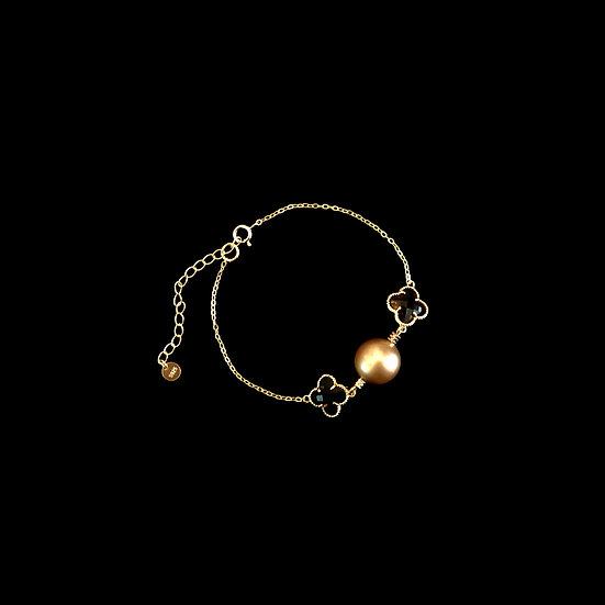 ( PRE-ORDER ) LUCKY CLOVER Pearl Bracelet - Gold