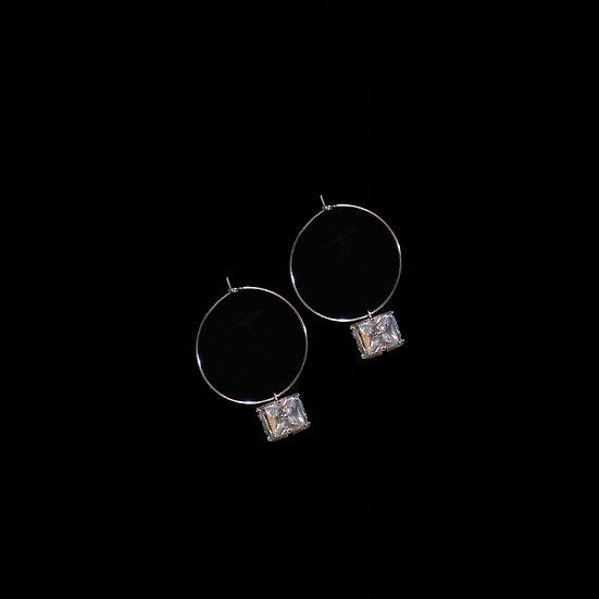 DORIS GRANDEUR Zircon Hoop Earrings