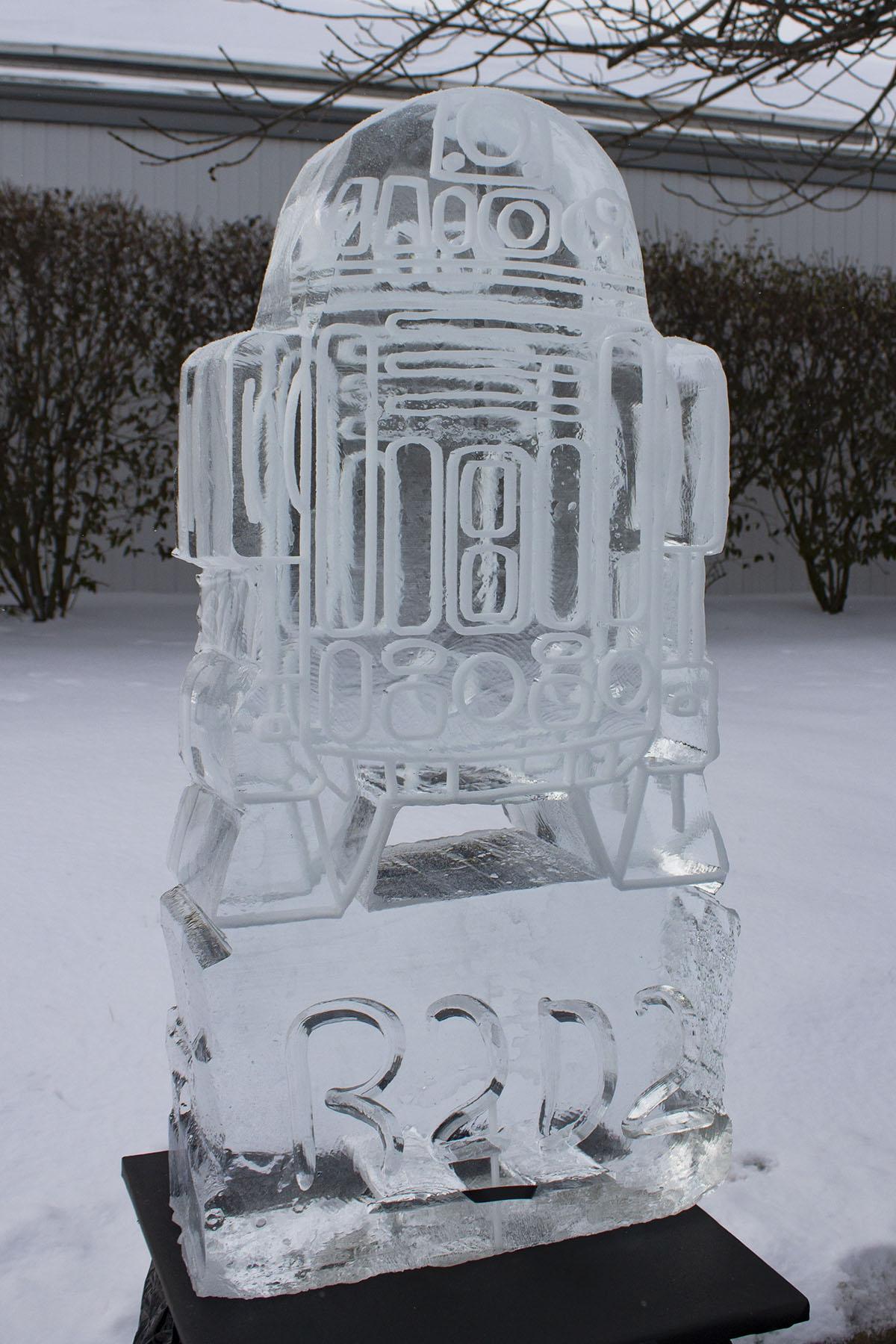 R2D2 Sculpture