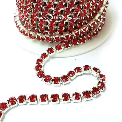 Rhinestones Trim Light Siam (Red) Close Chain Banding