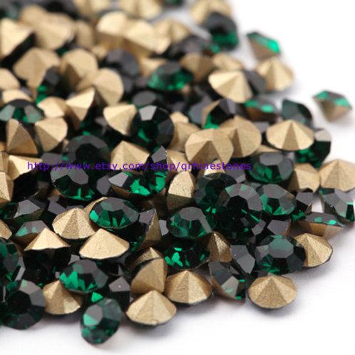 Pointed Back Rhinestones - Emerald