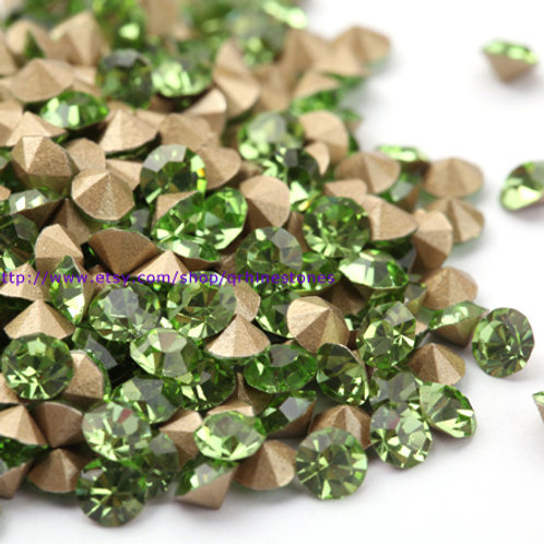 Pointed Back Rhinestones - Peridot