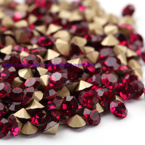 Pointed Back Rhinestones - Fuchsia