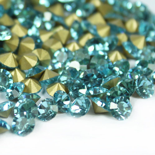 Pointed Back Rhinestones - Aquamarine
