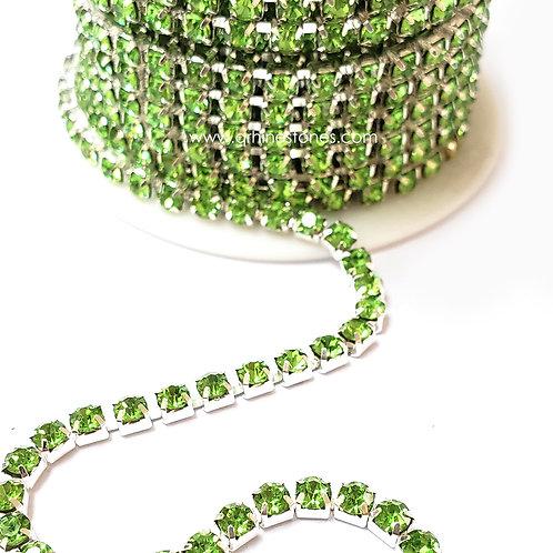 Rhinestones Trim Peridot (Light Green) Close Chain Banding