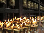 candles-1658811_1920.jpg