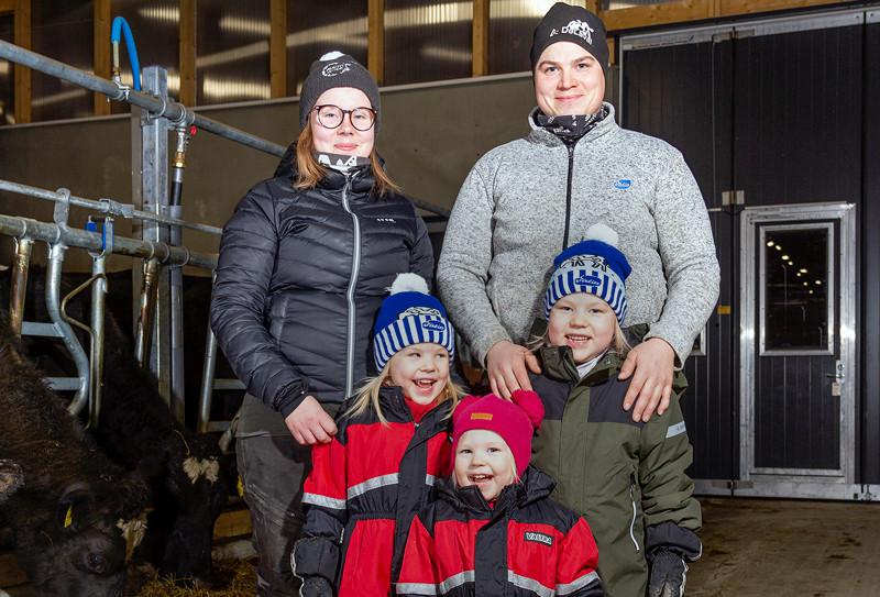 kylalainen_perhe.jpg