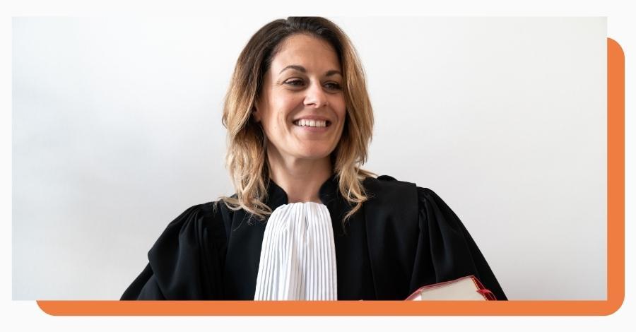 pourquoi avocats portent robe