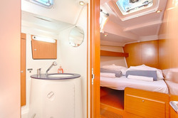 Cabin with Shared Bathroom