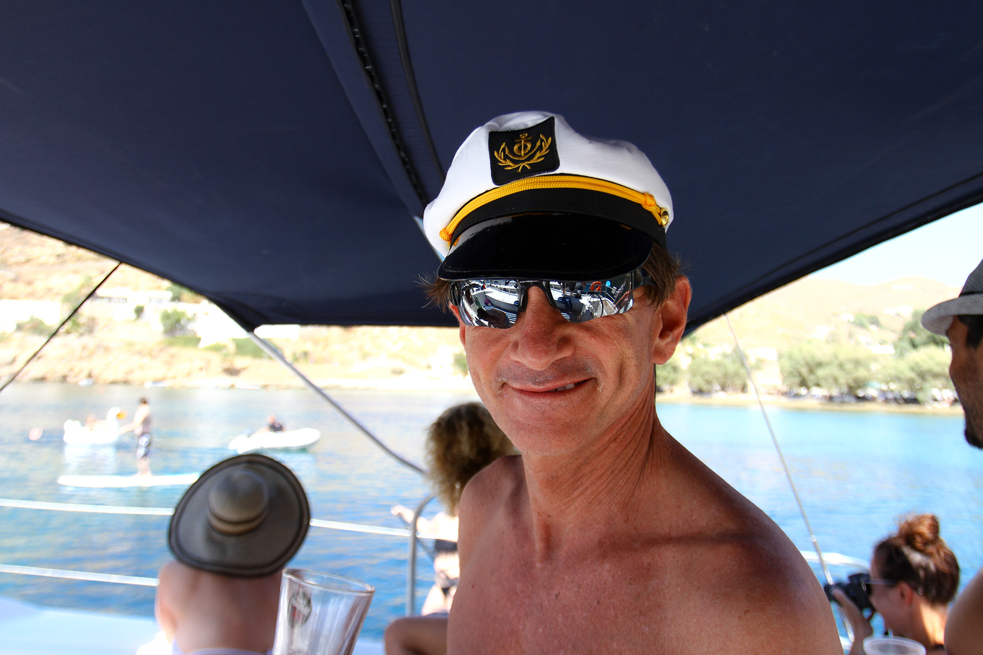 Friends - cause everyone gets to be the captain. Ahoy to Jorge from #florida who kept the boat en ro